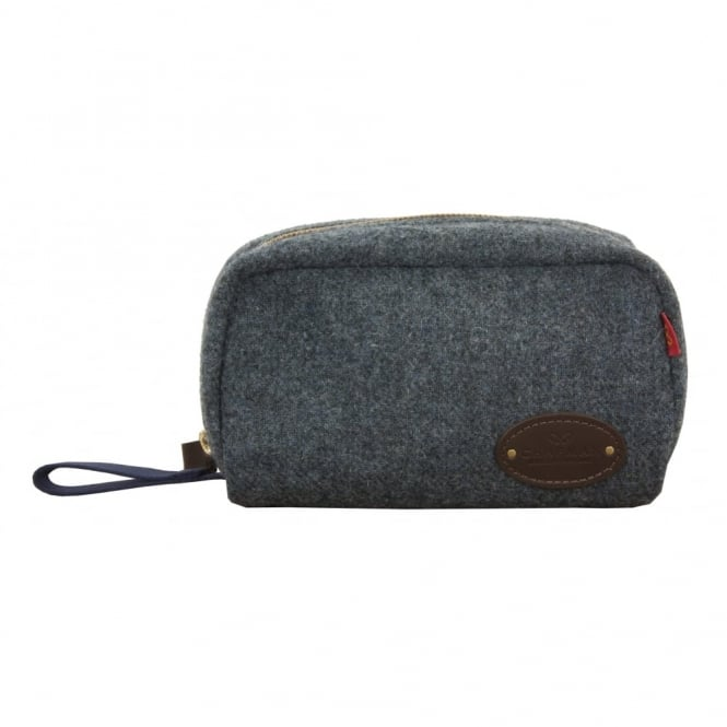 Chapman Tweed Washbag