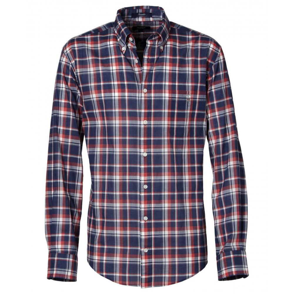 View our range of men's shirts available online at Regatta. Choose from our plain or checked shirts, all available in long or short sleeve. From walking in the outdoors to relaxing at the weekend, we stock a wide verity of styles for any occasion.